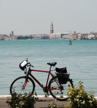 bike and boat ave maria barge venice to mantua